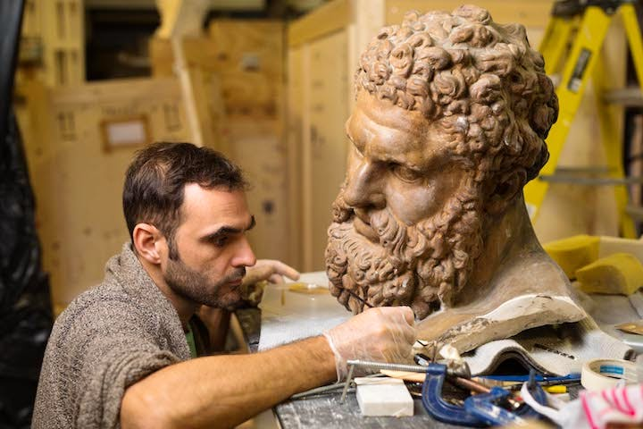 Conservation of the Farnese Hercules plaster cast. © Royal Academy of Arts, London; Photo: David Parry