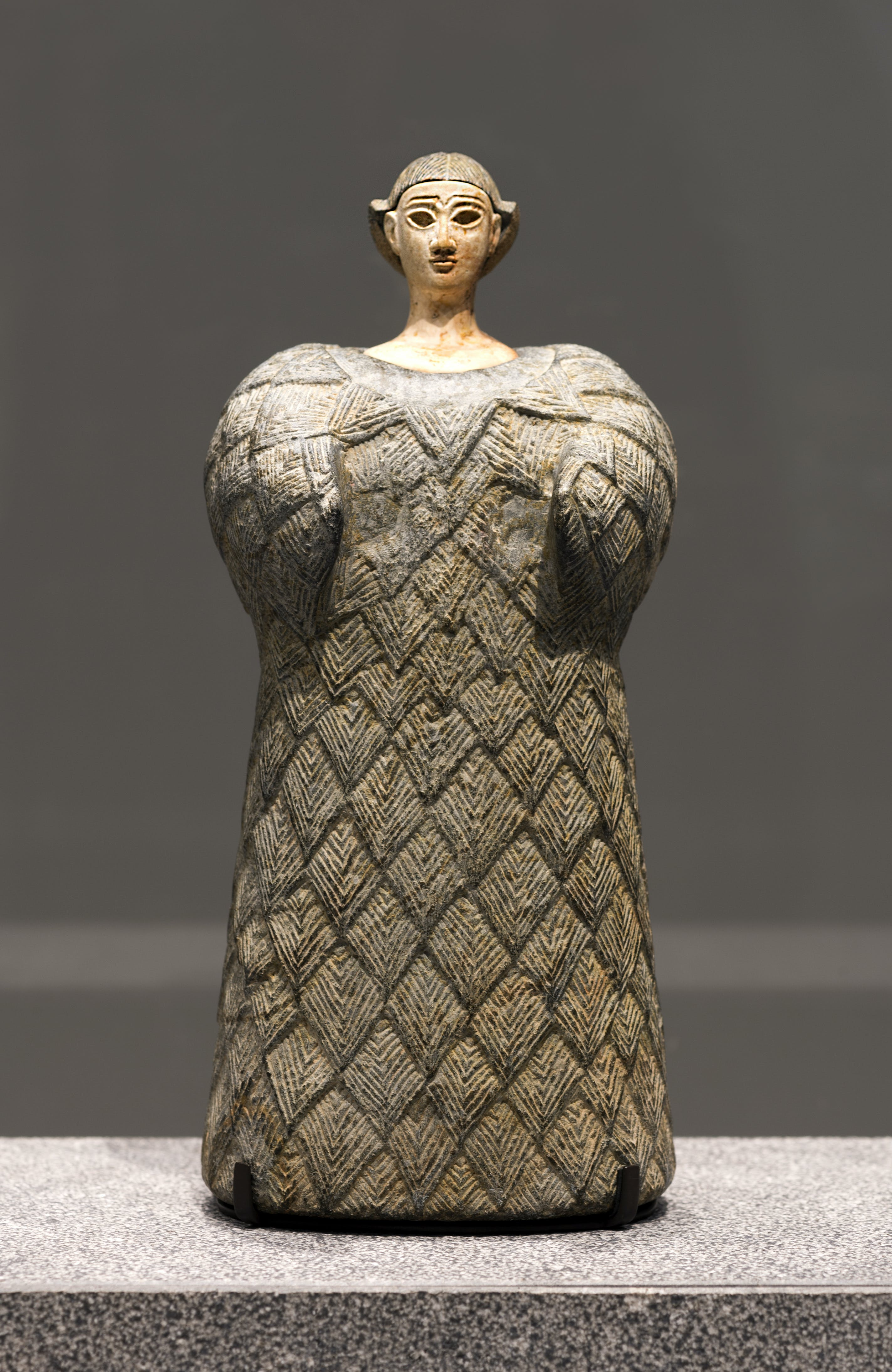 Bactrian 'princess', (2,300–1,700 BC), Louvre Abu Dhabi, photo: Thierry Ollivier; © Louvre Abu Dhabi