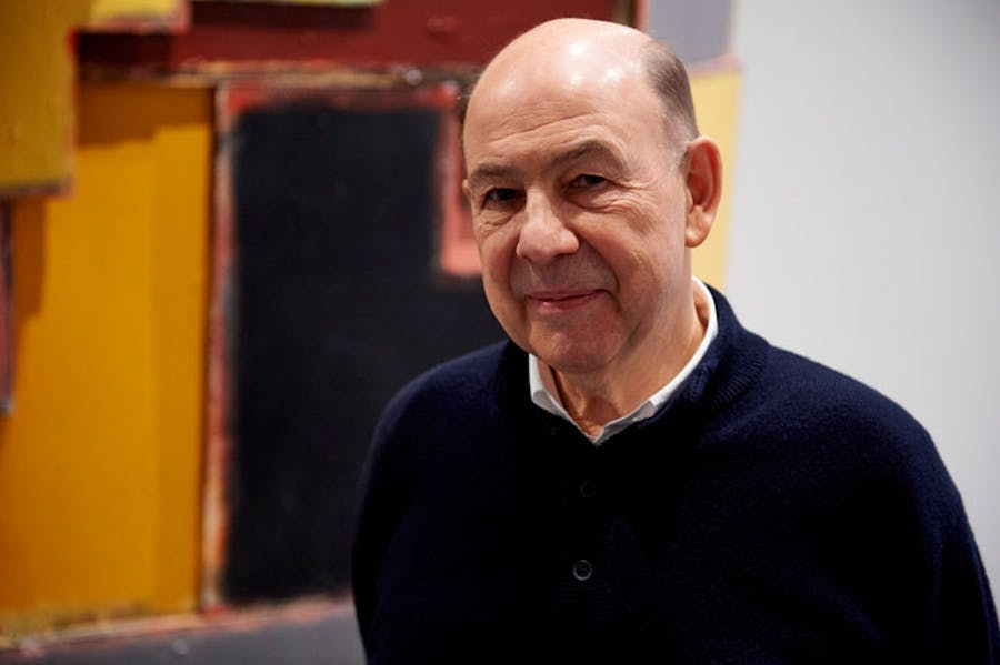 Anthony d'Offay in front of 'untitled: upturnedhouse 2' (2012) by Phyllida Barlow, at Tate Modern, London on 14 January 2016. Photo: NIKLAS HALLE'N/AFP/Getty Images