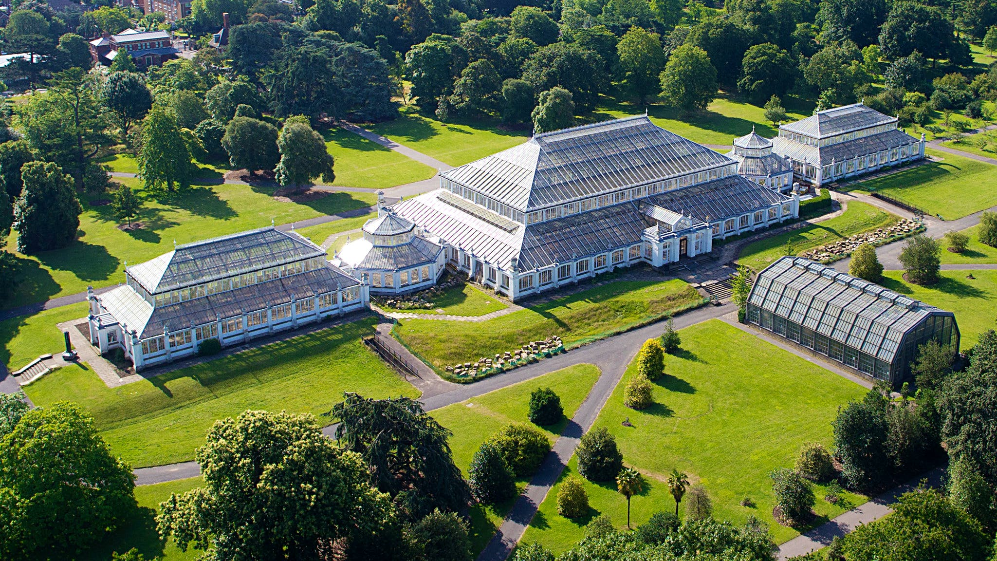 The Temperate House at Kew Gardens, designed by Decimus Burton and Richard Turner and built between 1859 and 1898, © The Board of Trustees of the Royal Botanic Gardens, Kew