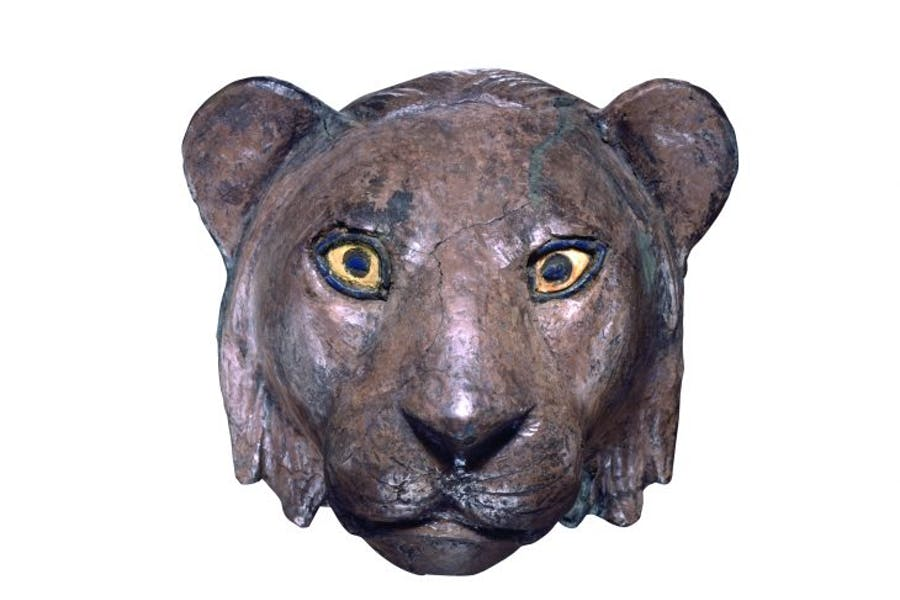 Lion head from the Royal Cemetery of Ur, (c. 2450 BC), Sumerian, University of Pennsylvania Museum of Archaeology and Anthropology, Philadelphia