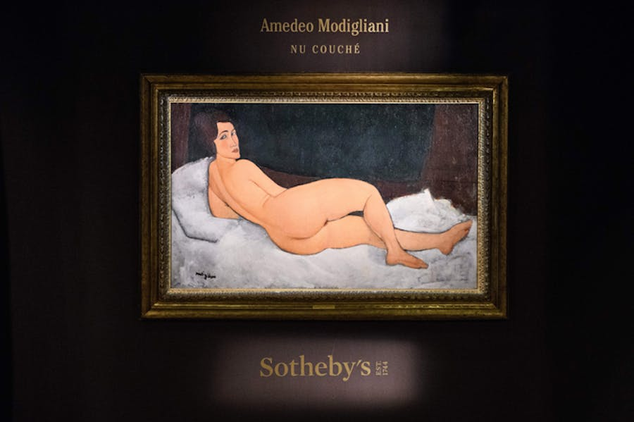 Amedeo Modigliani's Nu couché (sur le côté gauche) at Sotheby's Hong Kong in April 2018.