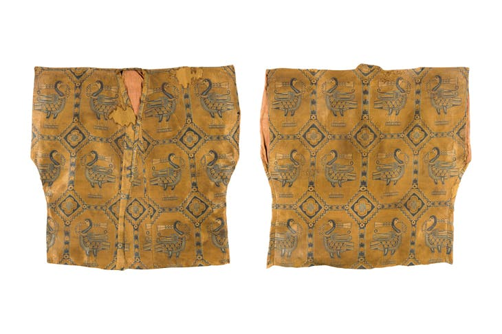 Silk samite shirt with ducks (600–800), Central Asia, Sogdiana