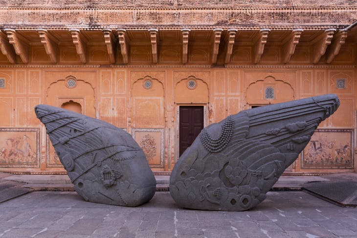Arrested Image of a Dream, (2015), Thulkral and Tagra, Installation view at the Sculpture Park at Madhavendra Palace, 2017.