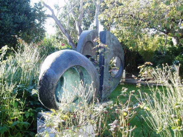 Barbara Hepworth's garden at Trewyn, St Ives, photo: Wikimedia Commons