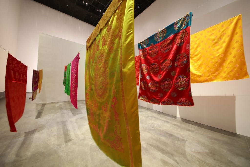 A Laundry Woman, (2000/18) Kimsooja, installation view at the Yinchuan BIennale.