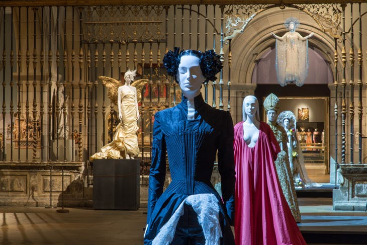 Installation view of 'Heavenly Bodies: Fashion and the Catholic Imagination' at the Metropolitan Museum of Art, New York, photo: © The Metrolitan Museum of Art, New York