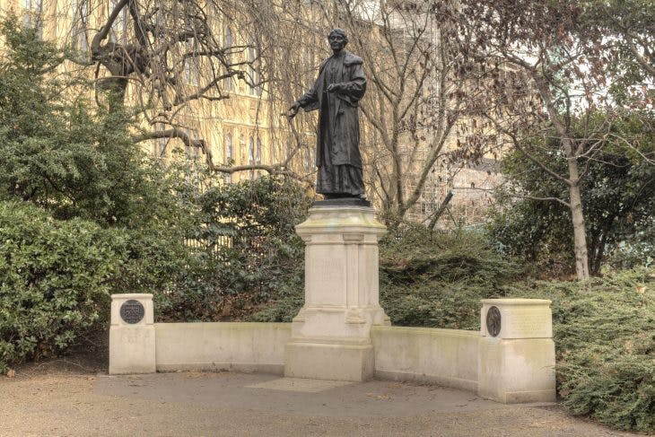The statue of Emmeline Pankhurst in Victoria Tower Gardens, designed by Arthur George Walker and unveiled in 1930, photo: Wikimedia Commons
