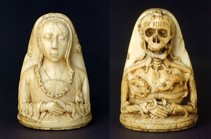 Memento Mori pendant, front and back views (1500).