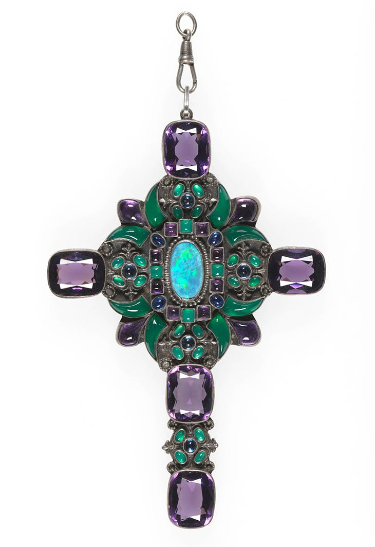 Pendant cross (c. 1930), designed by Sibyl Dunlop and made in her workshop, probably by W. Nathanson, with enamelling by Henri de Koningh.