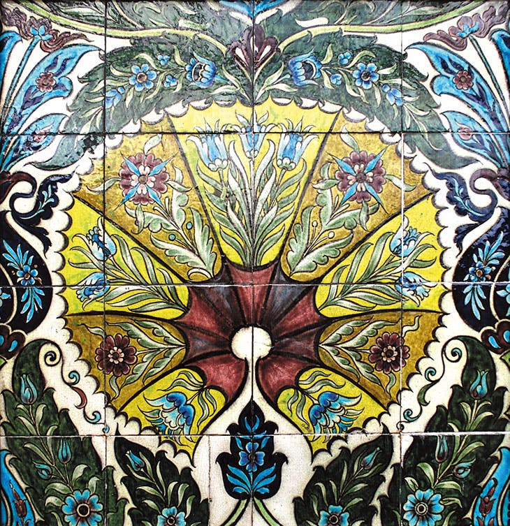 Fan tile panel (1872–1904), William De Morgan. Photo: © De Morgan Foundation