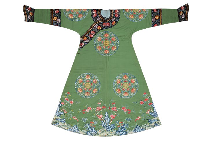 Festive robe with bats, lotuses and the character for longevity, Jiaqing period (1796–1820), Suzhou (embroidery) and Imperial Workshop Beijing (tailoring).