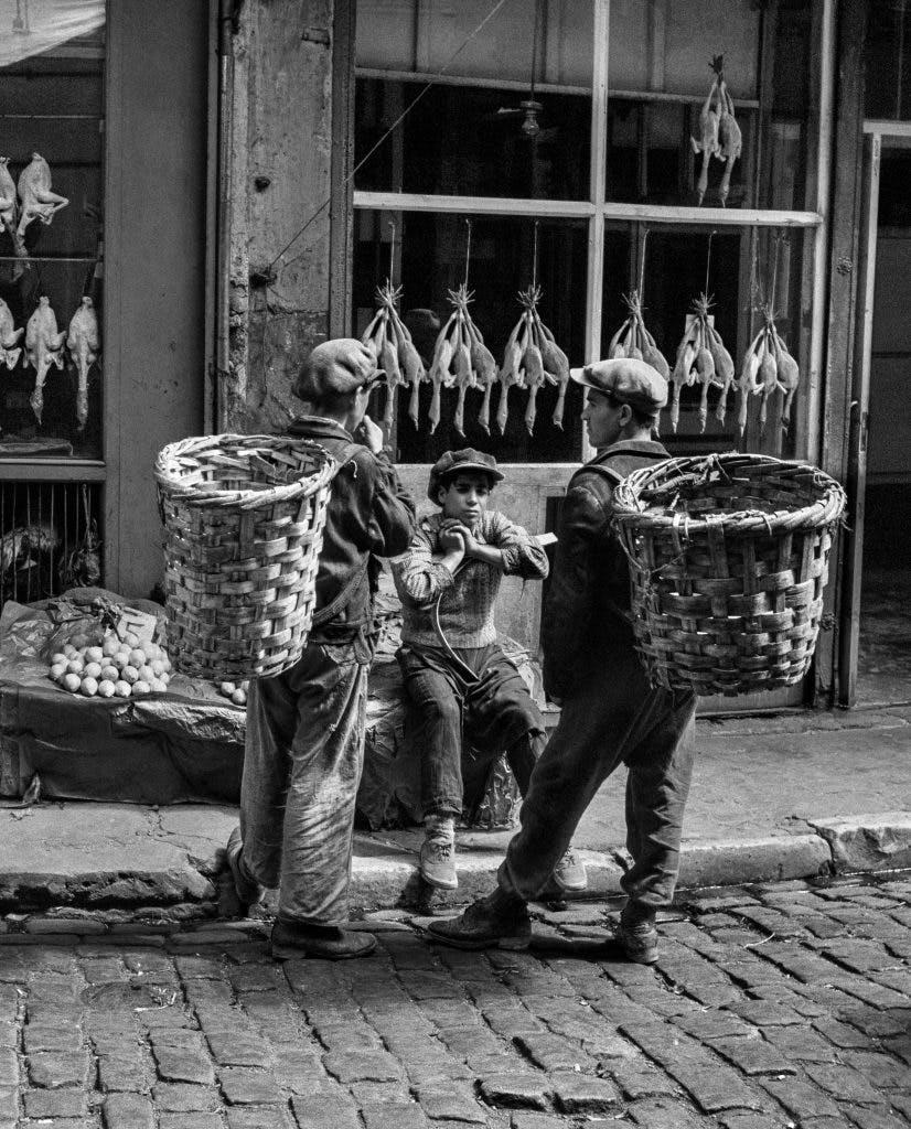 Beyoglu fish market, Istanbul, 1954, Ara Güler. Courtesy Ara Güler Museum