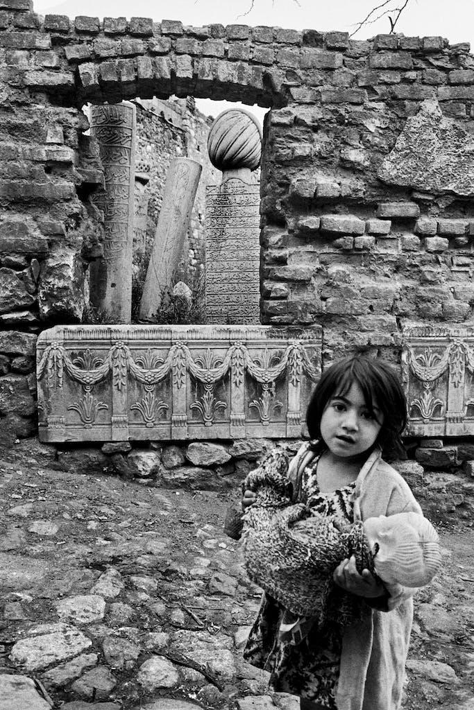 Zeyrek, Ottoman graves, Istanbul, 1957, Ara Güler. Courtesy Ara Güler Museum
