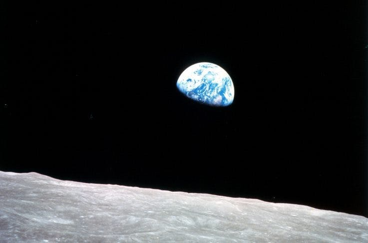 The Earth as it appeared to the Apollo 8 astronauts from the orbit of the moon on 24 December, 1968, photo: wikimedia commons