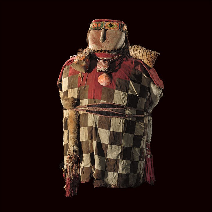 Inca mummy bundle, dressed in the tunic of an Incan officer but containing the mummy of a boy, from c. 1480-1560, Museum der Kulturen, Basel.
