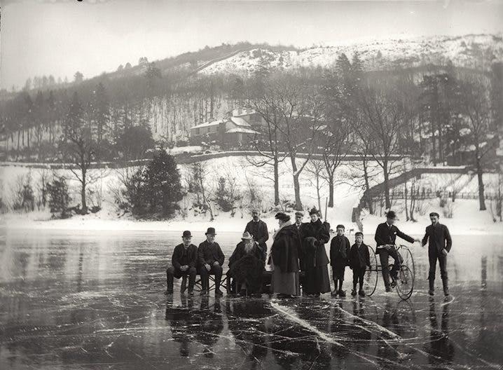John Ruskin, Joan Severn, Peter Baxter and other members of Ruskin's household photographed by John McClelland on Coniston Water, Cumbria, in 1895. National Portrait Gallery, London