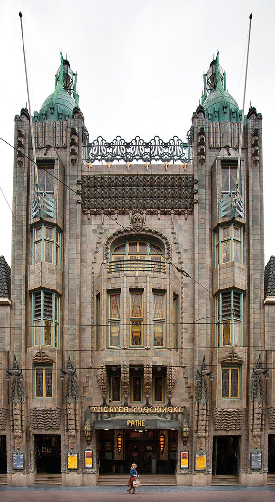 The Tuschinski Theatre, designed by Hijman Louis de Jong and built in 1921. Photo: Scenics and Science/Alamy Stock Photo