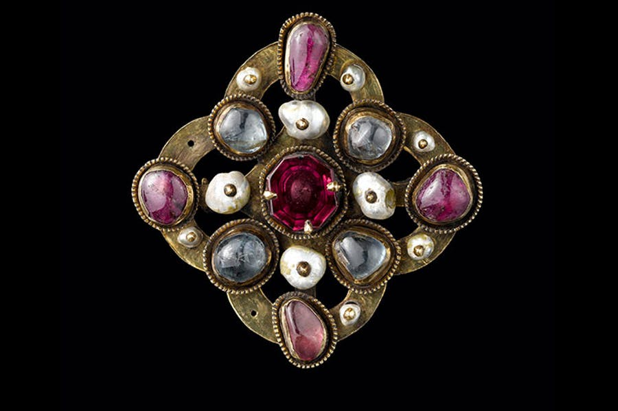 Jeweled brooch, from the Colmar Treasure (second quarter 14th century).