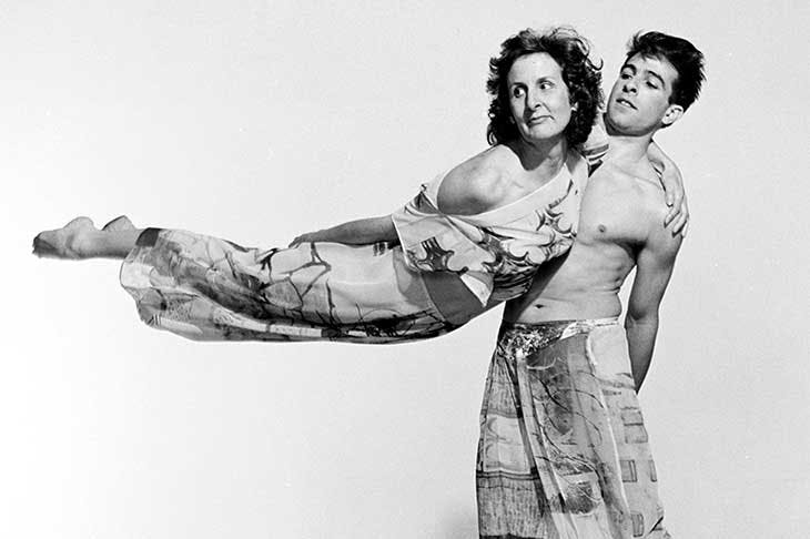 Trisha Brown and Stephen Petronio performing Set and Reset (1983), choreographed by Brown. Photo: © Jack Mitchell