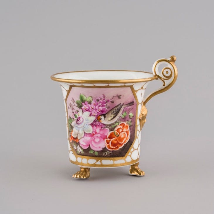 Cabinet cup (c. 1819–23), decorated by Thomas Pardoe.