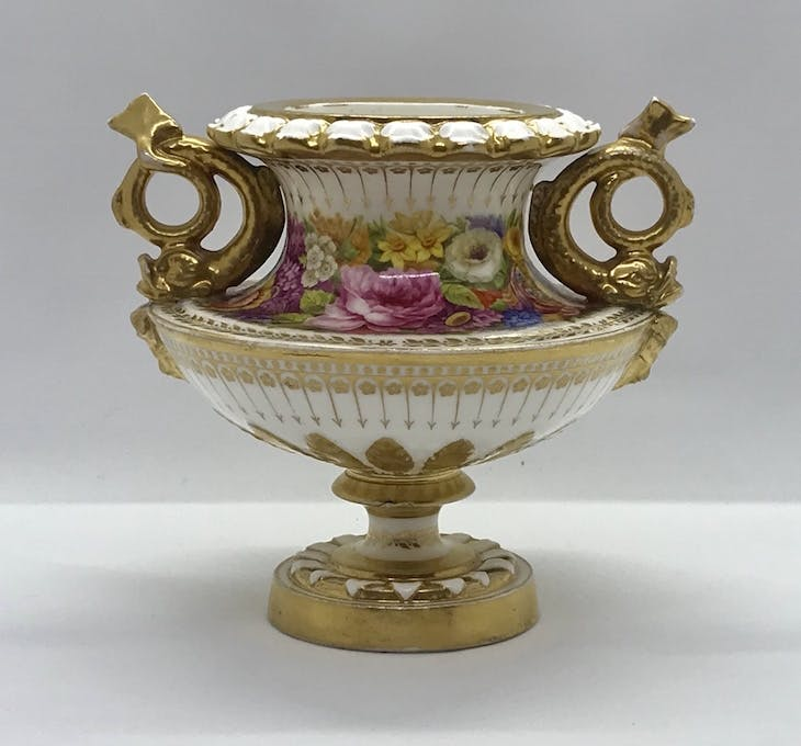 Vase (1817–22), Nantgarw China Works, decorated in London.