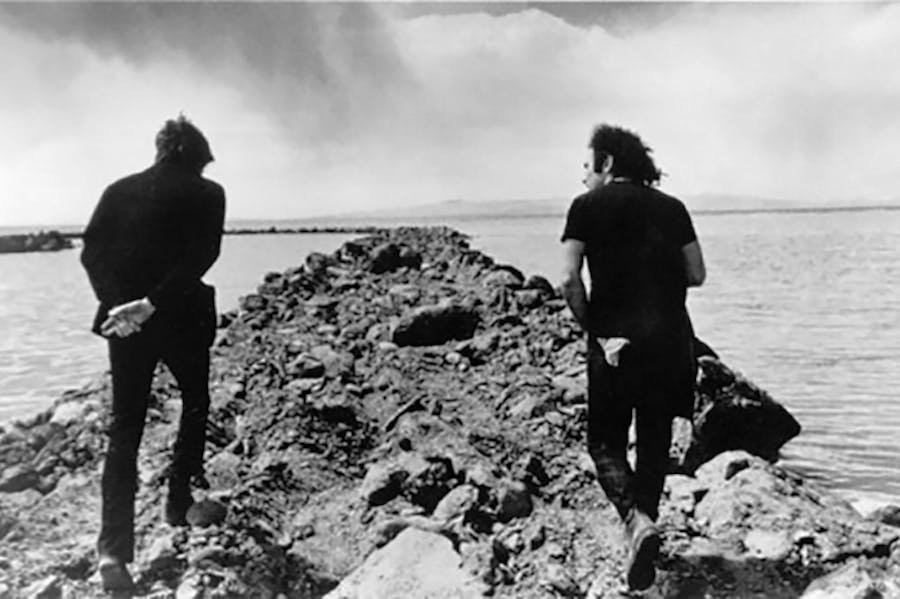 Robert Smithson and Richard Serra at Spiral Jetty, photographed by Gianfranco Gorgoni in 1970.