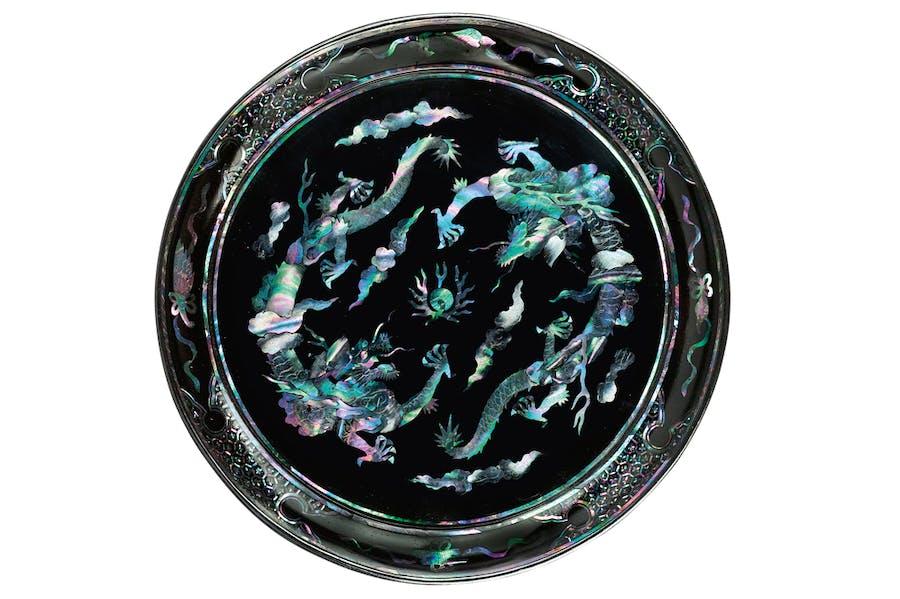 Dish (18th century), Ryukyu Islands, Japan. Ben Janssens Oriental Art (£12,000)