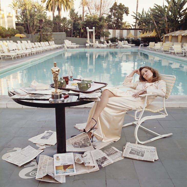 Faye Dunaway at the Beverley Hills Hotel, 29th March 1977.