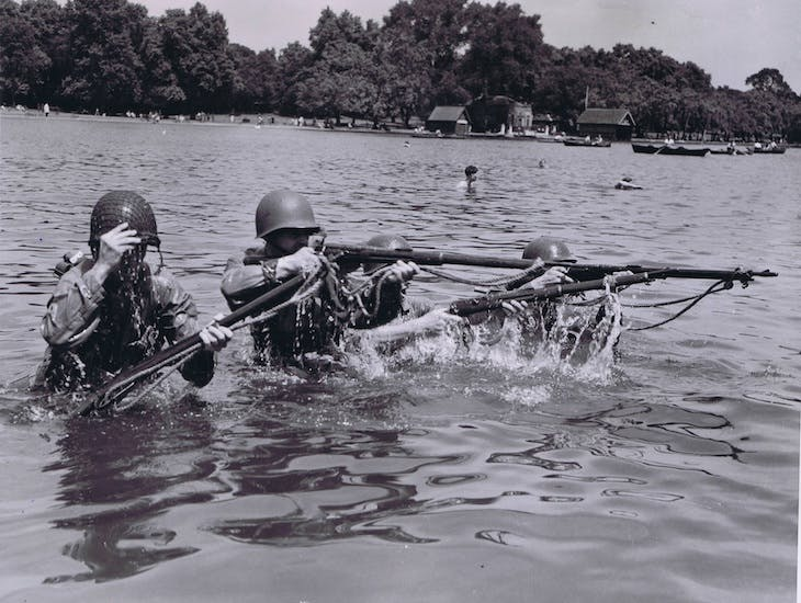 US soldiers in the Serpentine, 1943.