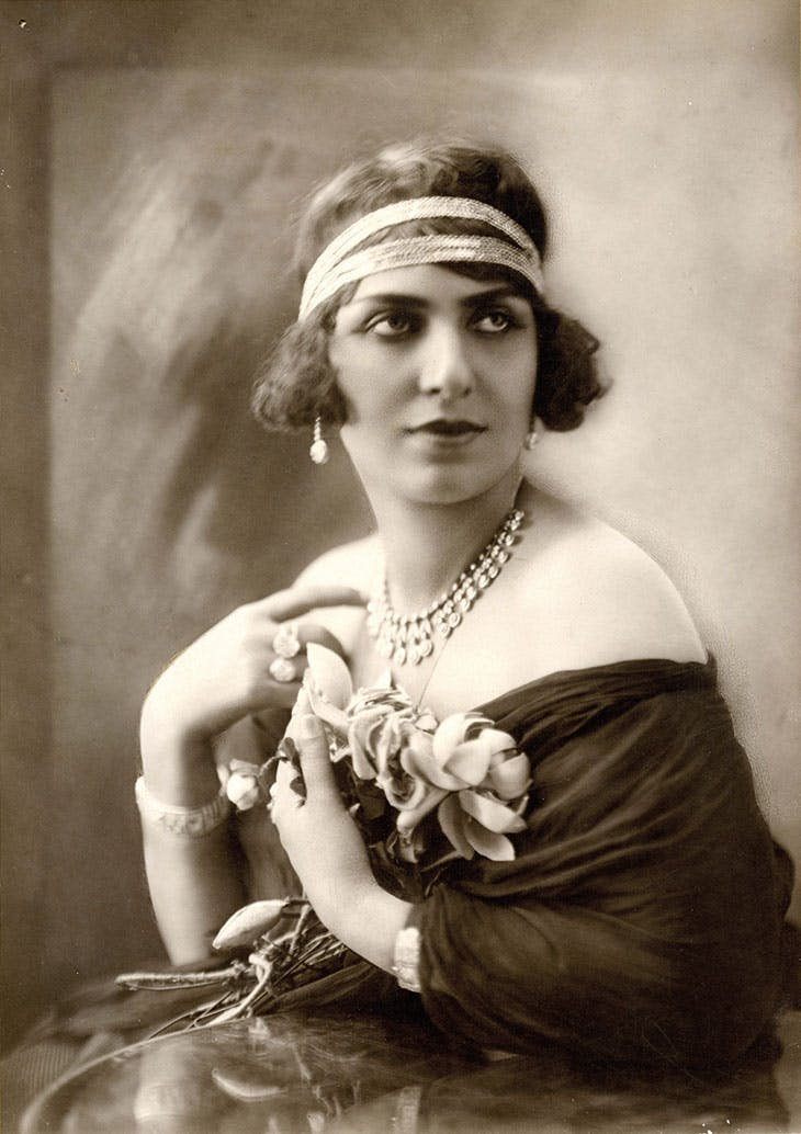 The Egyptian singer and actress Mounira al-Mahdiyya (1885–1965), photographed in the 1920s.