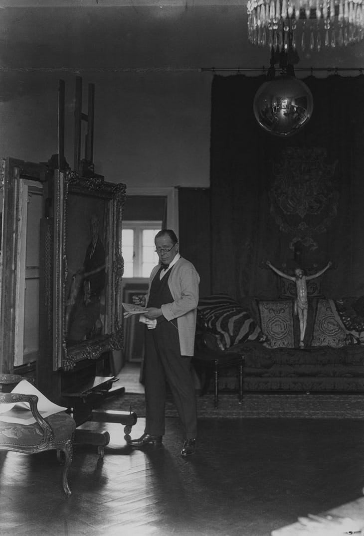 William Orpen in his studio (photographed in 1927 by Howard Coster). National Portrait Gallery, London
