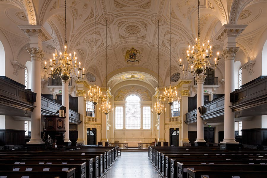 The interior of St Martin-in-the-Fields, showing the plasterwork ceiling made by Giuseppe Artari and Giovanni Battista Bagutti.
