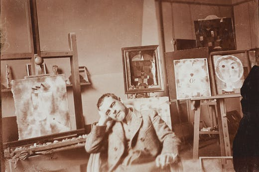Paul Klee in his atelier at the Bauhaus Weimar, 1923 (photo by Felix Klee). Zentrum Paul Klee, Bern; © Klee-Nachlassverwaltung, Hinterkappelen