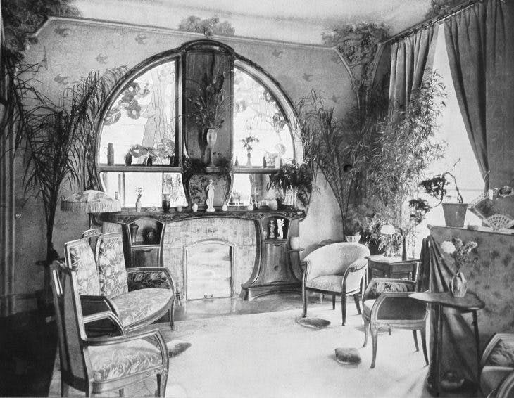 Photograph of the sitting room in the Villa Majorelle, published in 'Art et Décoration' in 1902. Courtesy musée de l'École de Nancy