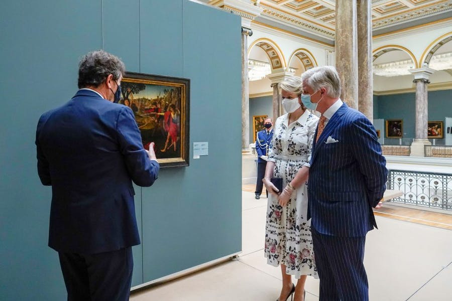 Queen Mathilde of Belgium and King Philippe of Belgium visi the permanent collection of the Old Masters Museum, part of the Royal Museums of Fine Arts of Belgium, on May 19, 2020 in Brussels, as the country eases lockdown measures taken to curb the spread of the Covid-19 pandemic. Photo: Daina Le Lardic/Belga/AFP via Getty Images