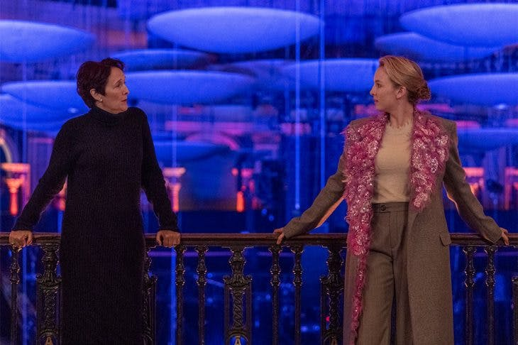 Carolyn Martens (Fiona Shaw) and Villanelle (Jodie Comer) in the Royal Albert Hall