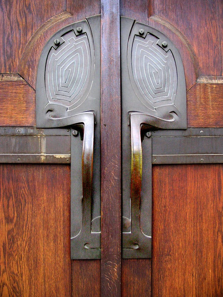 Door handles on the entrance to the Nietzsche-Archiv in Weimar, designed by Henry van de Velde in 1903.