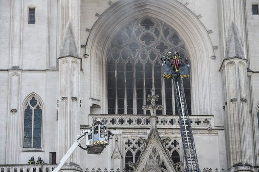 Firefighters at Nantes Cathedral on 18 July 2020. Photo: Sebastien Salom-Gomis/AFP via Getty Images