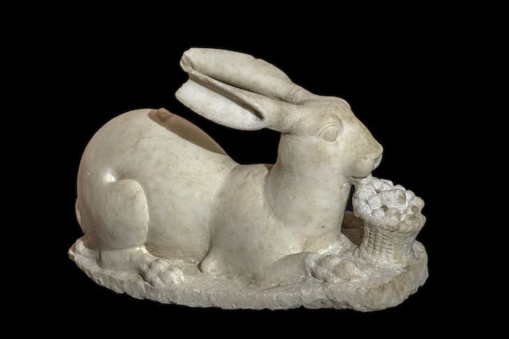 Marble statue of a rabbit.