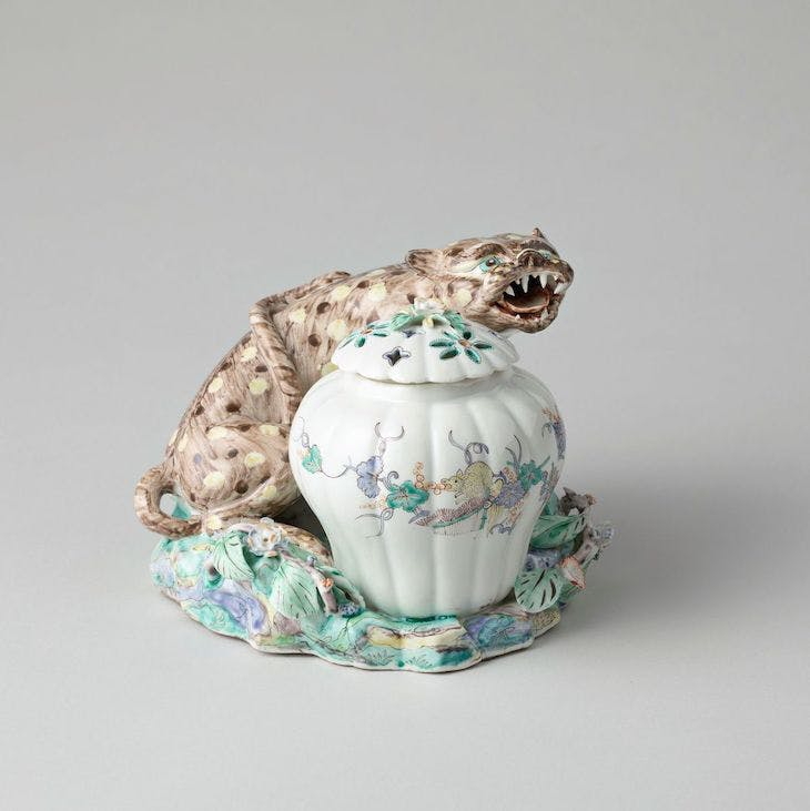 Leopard potpourri (c. 1740), Chantilly.