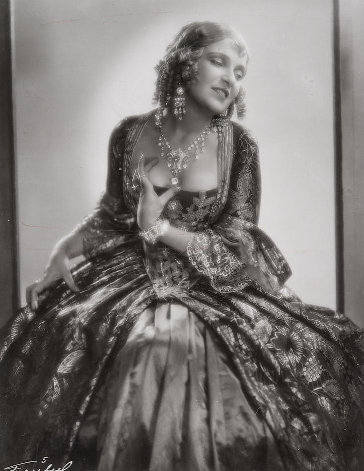 Olga Baclanova as Duchess Josiana in The Man Who Laughs (1928).