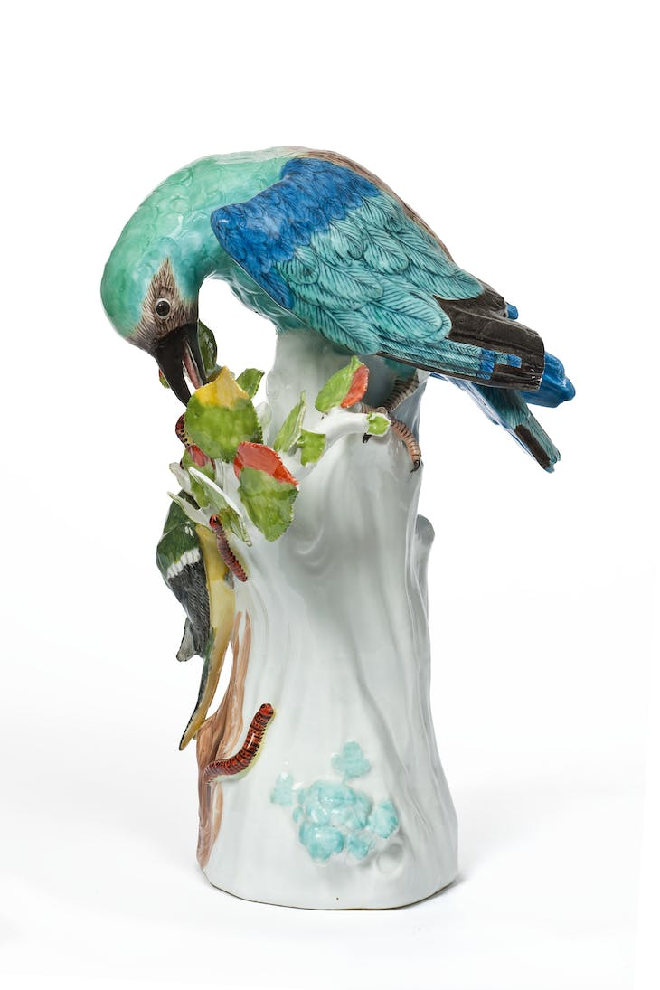 European roller bird (c. 1740), manufactured by Meissen, modelled by Johann Joachim Kändler.