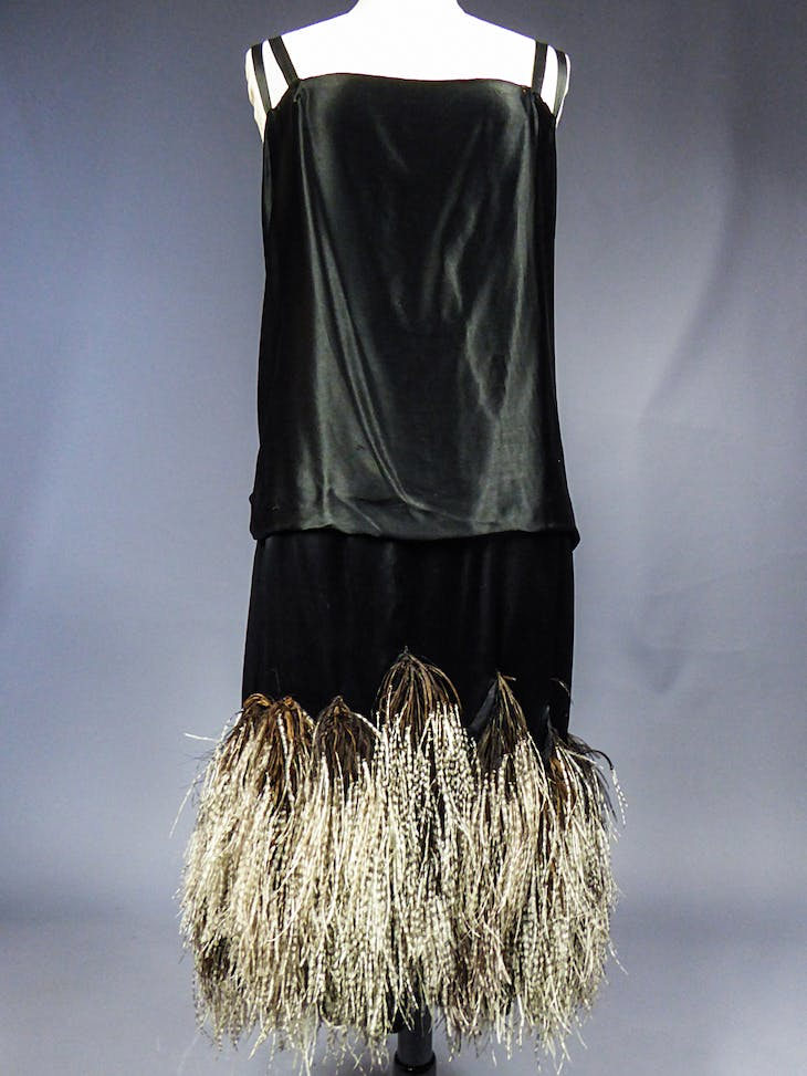 Evening dress in black satin and marabou feathers (1925), Charles Frederick Worth.