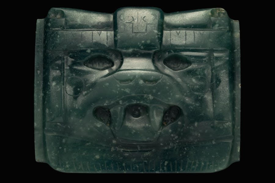 Jade mask in form of an animal face (1000-400 BC).