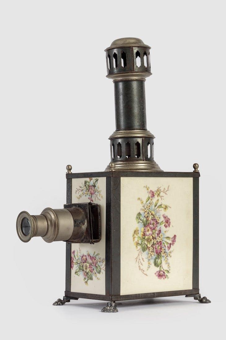 Magic lantern (1895), Johann Falk.