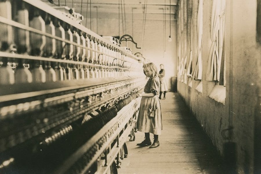 Sadie Pfeiffer, Spinner in Cotton Mill, South Carolina (1910), Lewis Wickes Hine.