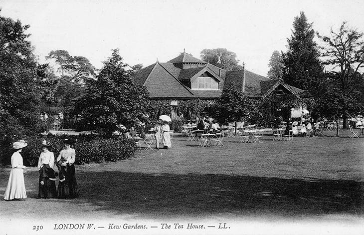 The Refreshment Pavilion at Kew Gardens, photographed before the fire of 1912.