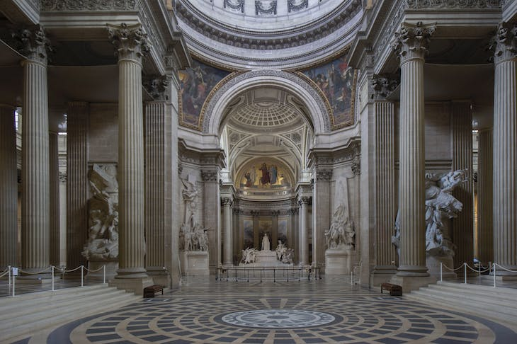 Interior of the Panthéon.
