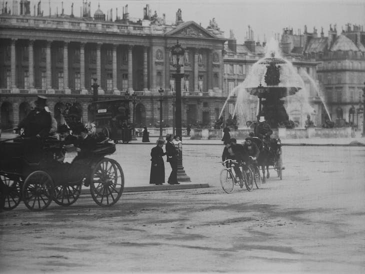Still from Place de la Concorde (1897).
